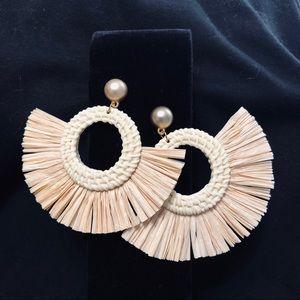 Adorable Raffia drop earrings